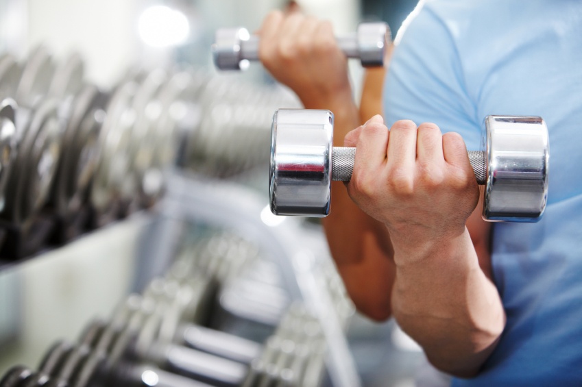 Man_woman_lifting_weight_iStock_12340090Small