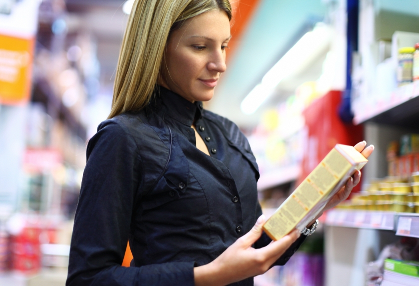 Reading nutrion label_iStock_000019672386Small