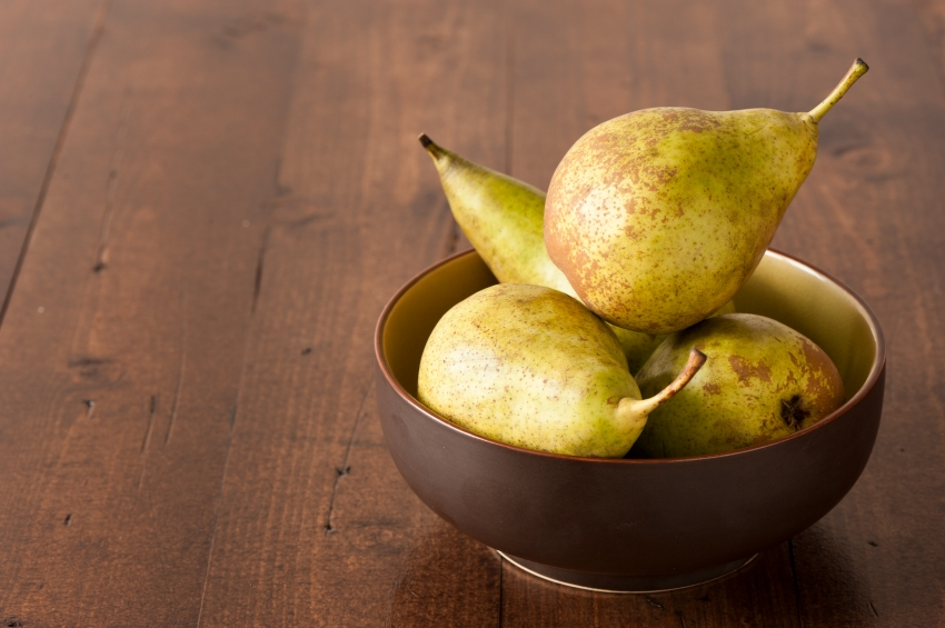 Pears in bowl_iStock_000020304565Small
