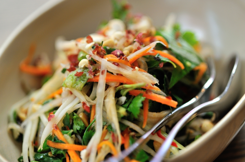 meal idea that can be brought for lunch! This Thai shrimp salad ...