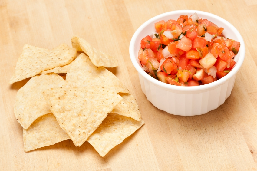 Tostitos and salsa_iStock_000020719835Small