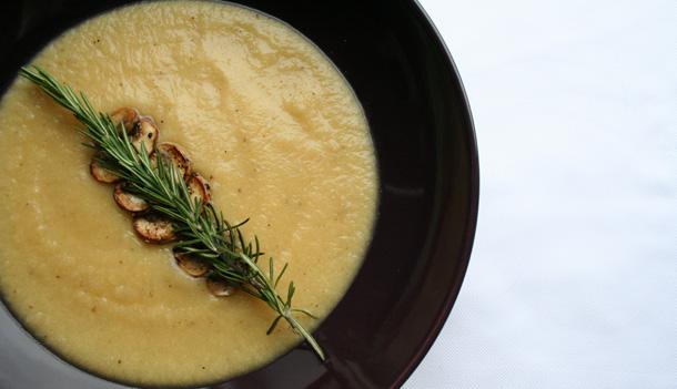 Cauliflower and Garlic-sautéed Mushrooms Potage