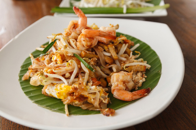 Chicken-and-Shrimp-Pad-Thai-