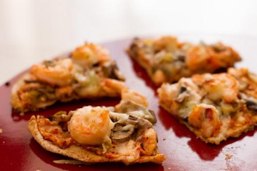 pizza crevettes et tomates sechees