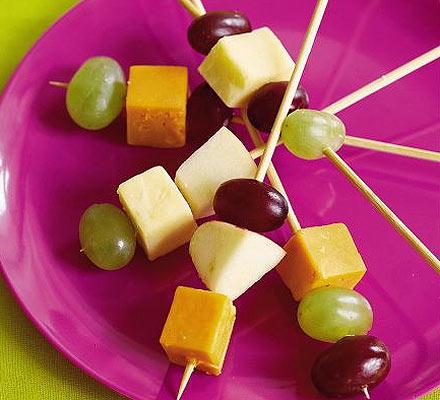 brochette de fromage et fruits
