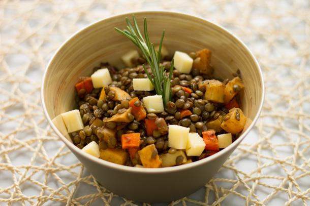 Salade de lentilles et légumes racines, vinaigrette à l'érable
