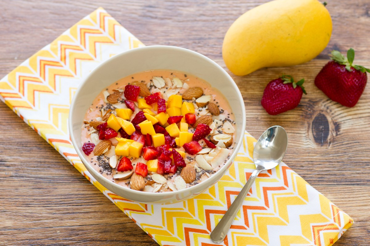 Mango-Strawberry Smoothie Bowl