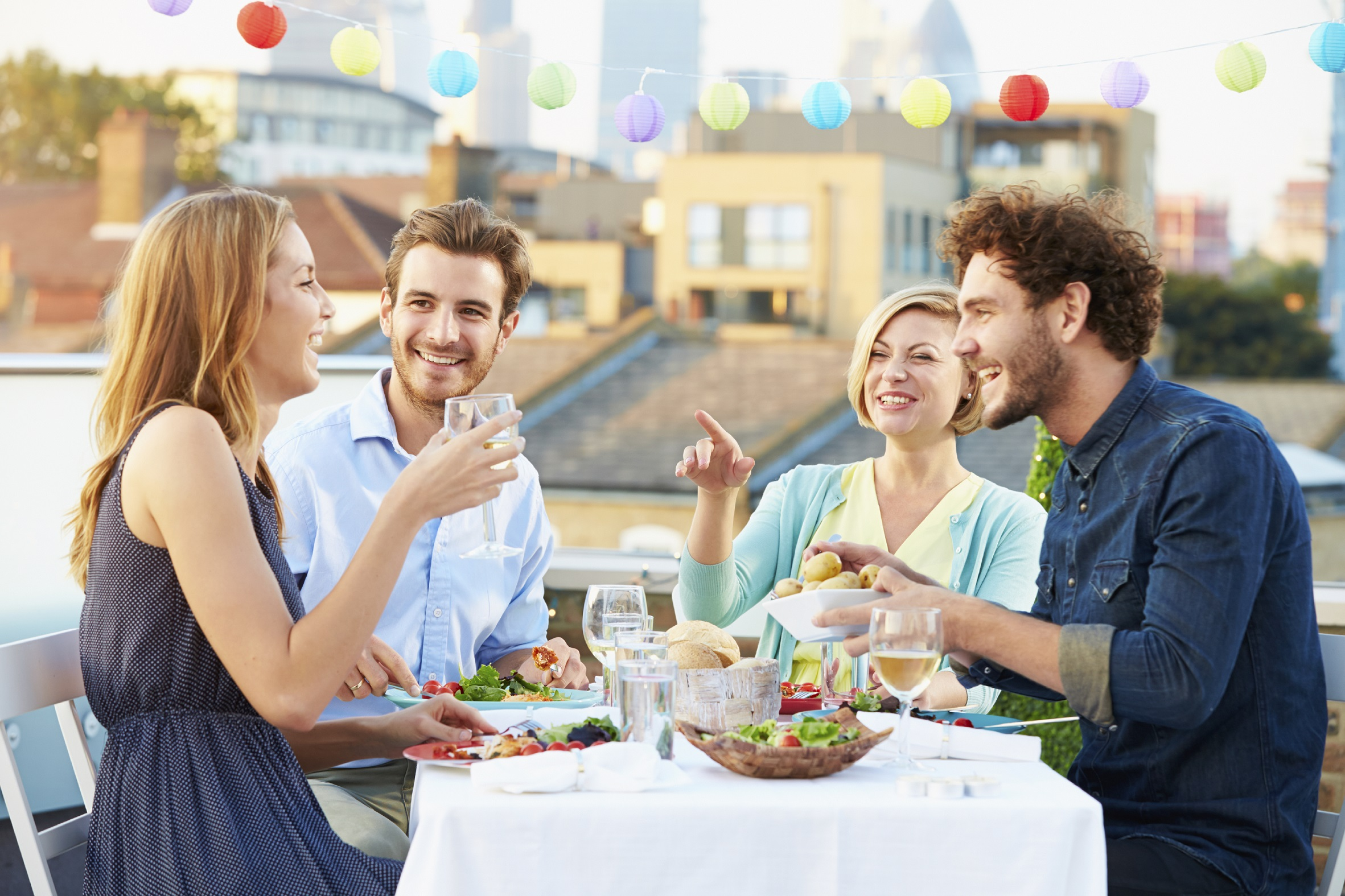 maintaining good habits when eating with friends