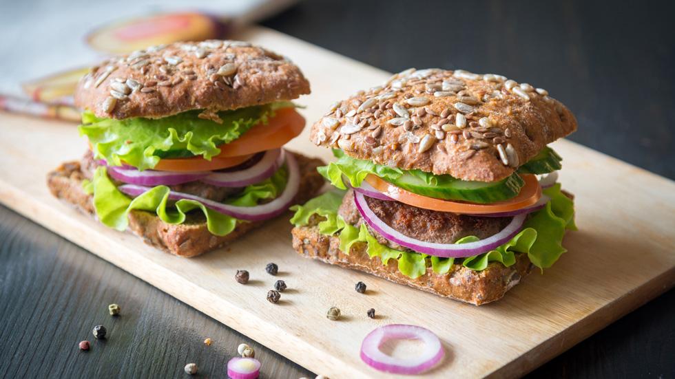 Des trucs de nutritionniste pour améliorer votre hamburger