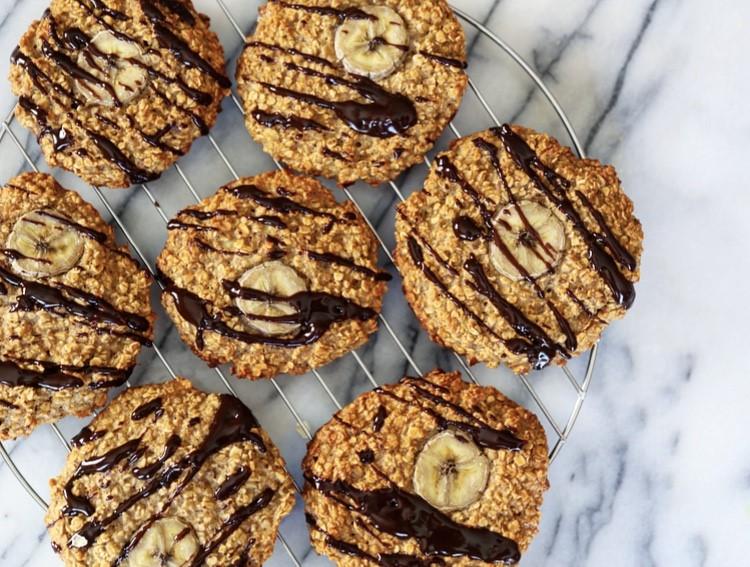 Des biscuits à l'avoine comme déjeuner protéiné